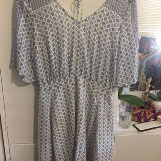 Tigerlily Dress Size 8
