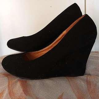 Black Wedges Size 40
