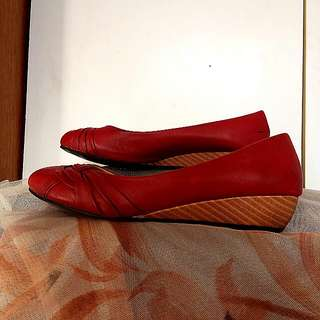 Red Wooden Wedged Flats