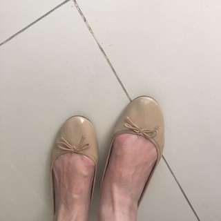 Flat Shoes Warna Kulit