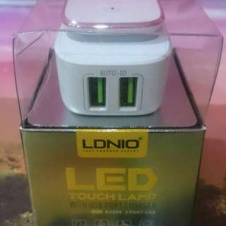 LDNIO A2205 LED touch light with usb port charger