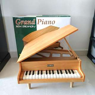 Kawai Mini Grand Piano from Japan.   32 Key Wooden Baby Piano made by Kawai Music Instrument. (used)