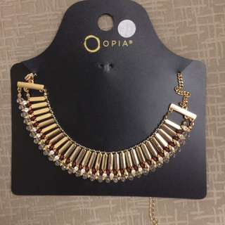 BNEW Statement necklace From iIreland