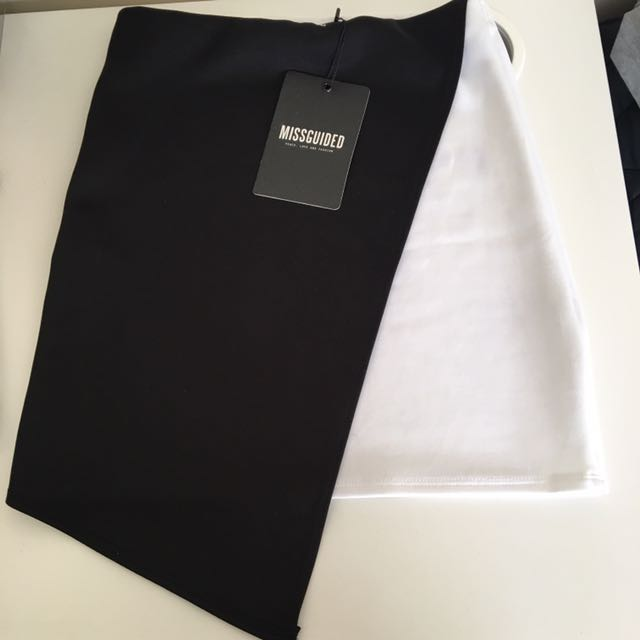 Black And White Misguided Skirt (SIZE 6)