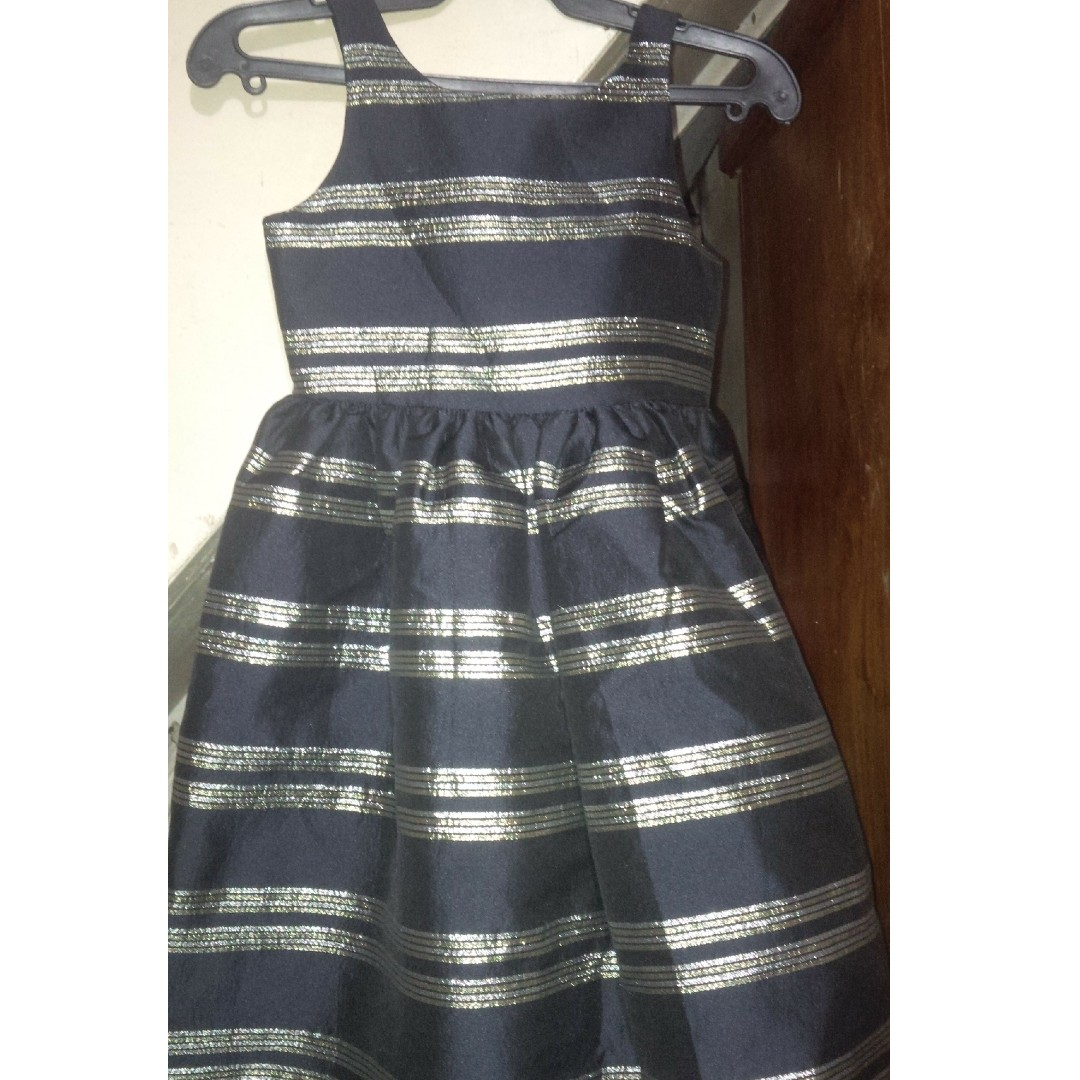black dress fits for aged 3-5 yrs.old