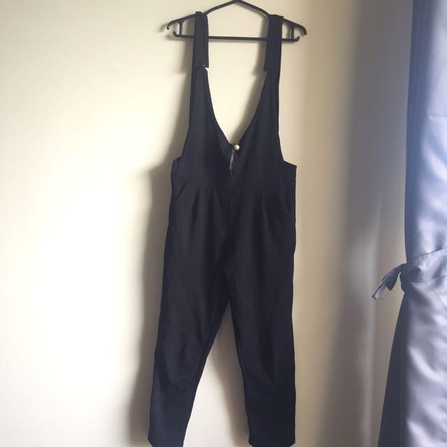 BLACK JUMPER PANTS
