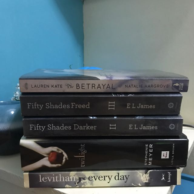 Books For 100-200php