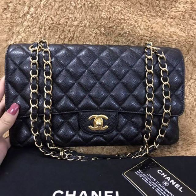 Chanel Caviar Medium GHW