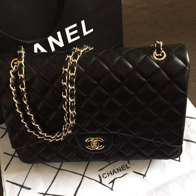 Chanel Maxi 34cm Black