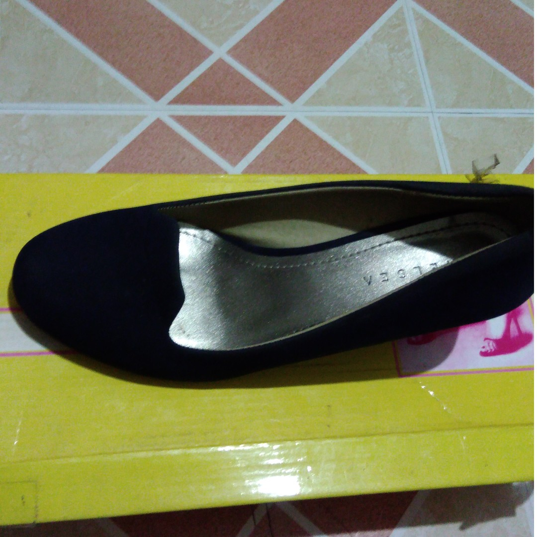 Chelsea Shoes size 5 2inch.