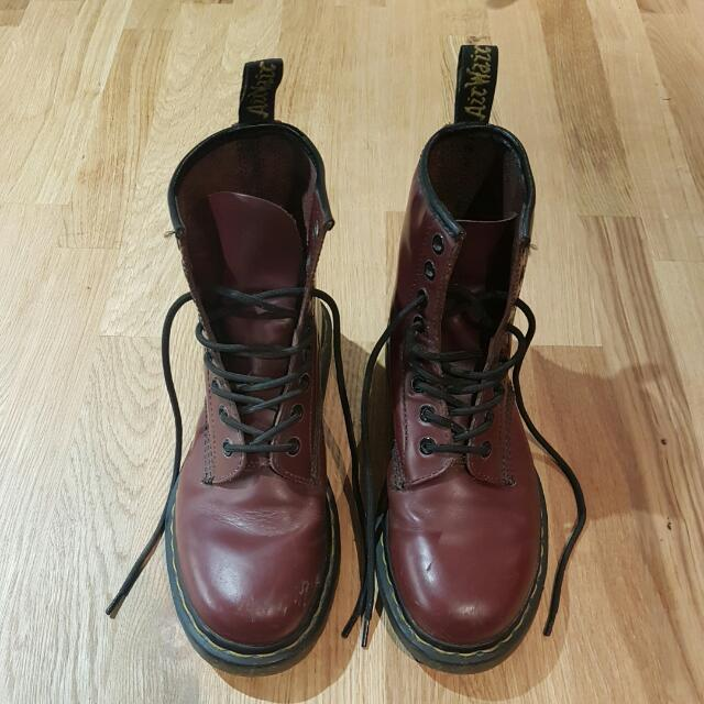 Dr. Martins - Cherry Red