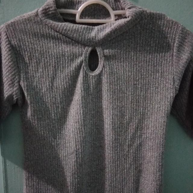 Fitted Gray Top
