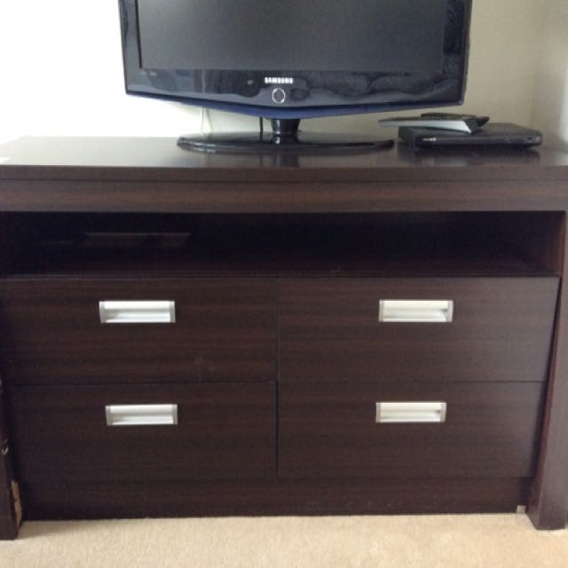 FREE Dresser/TV Cabinet+bedside Drawer