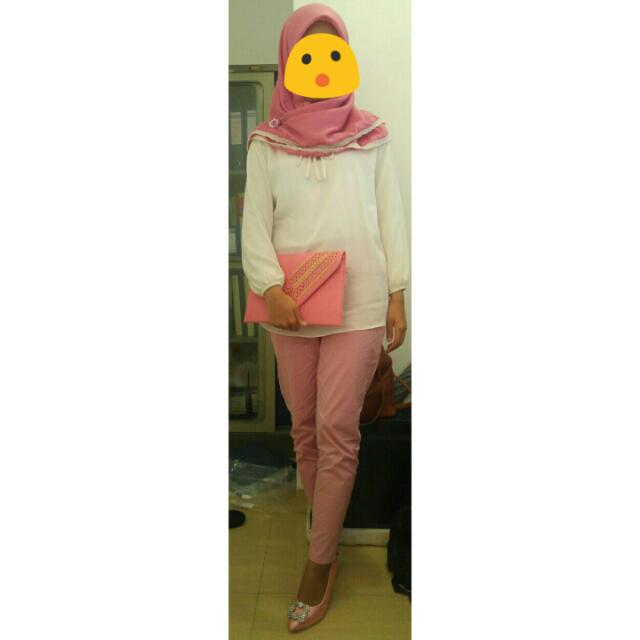 Gading White Top & Dusty Pink Pants