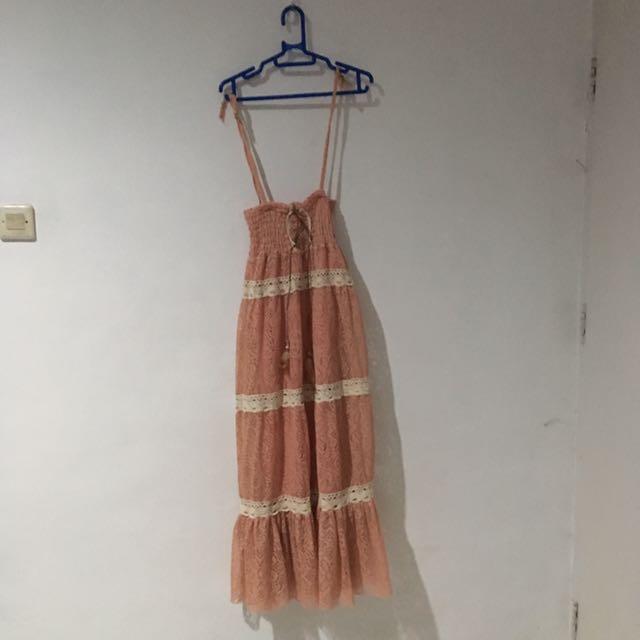 Gaun Panjang Lace