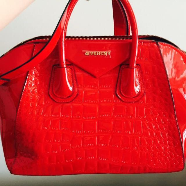 Givency Red (NEGO)