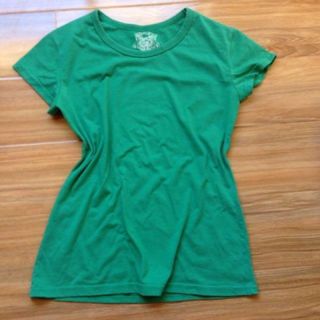 Henleys T-shirt Size Xs