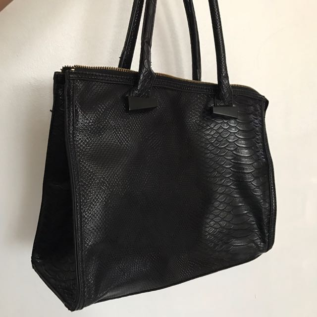 Lady Rustan Leather Handbag