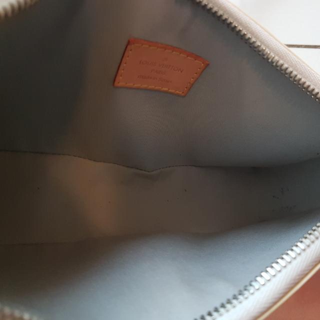 983a8d0fcedf2 Louis Vuitton Lime Yellow Monogram Vernis Lexington Pochette Bag ...
