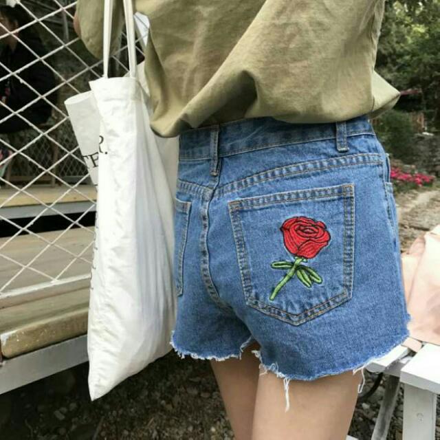 全新牛仔玫瑰刺繡高腰短褲m號