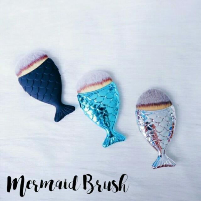 Mermaid Tale Brush