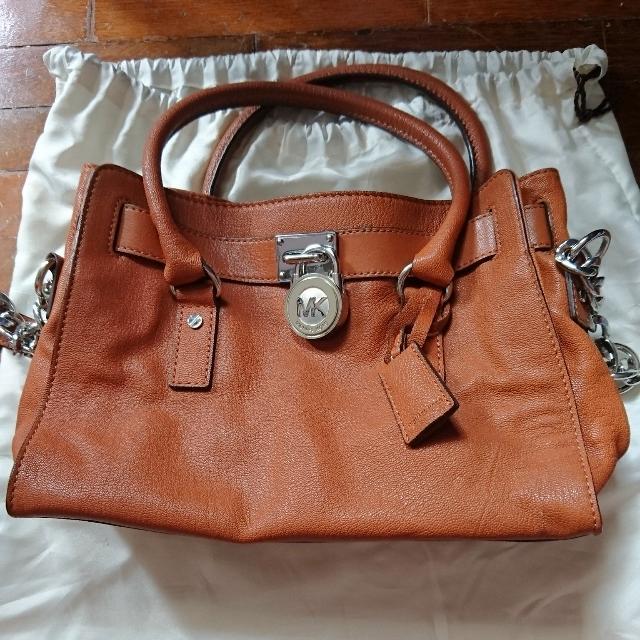 b8efc4358c78a8 Michael Kors handbag, Fesyen Wanita, Beg dan Beg Duit di Carousell