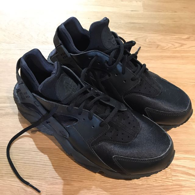 Nike Air Triple Black Huaraches
