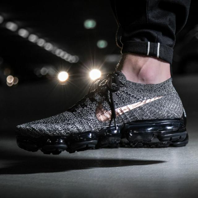f220ad2ef45 Nike Air VaporMax Flyknit