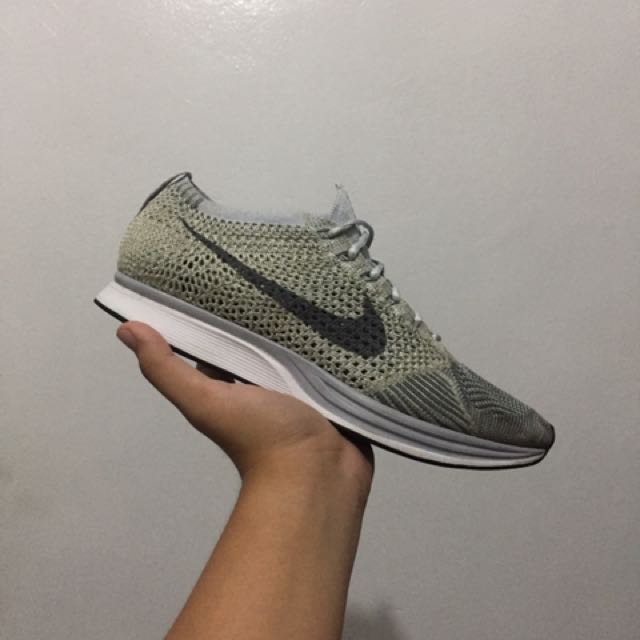 Nike Flyknit Racers Pure Platinum