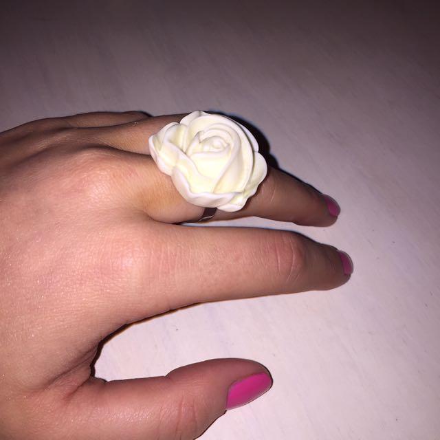 OFF WHITE Resin Rose Ring