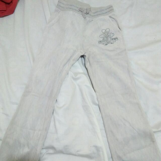 place sweat/jogging pants