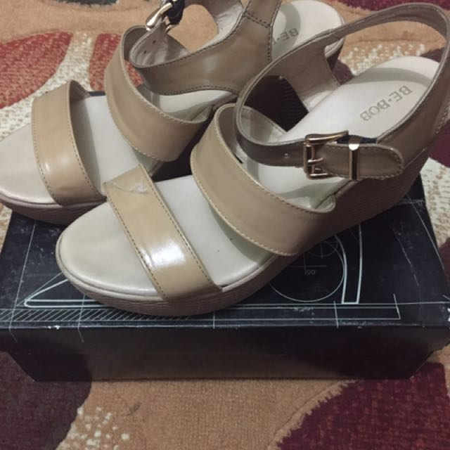 PRELOVED WEDGES BE-BOB