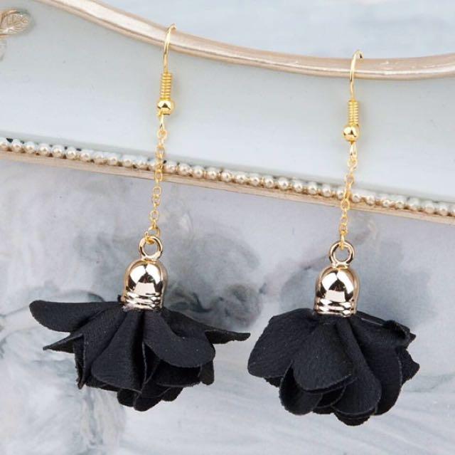 Rachel Earring In Black