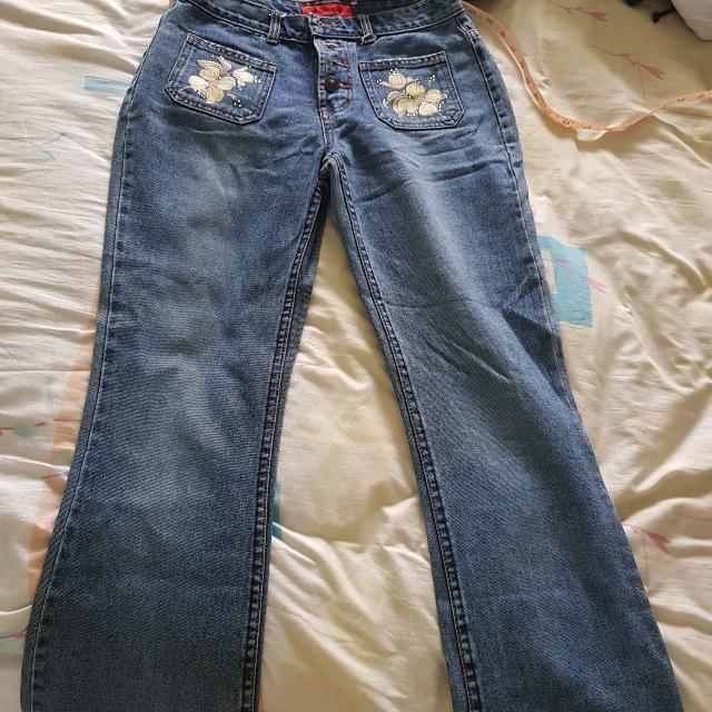 Relaxed Jeans With Floral Patch Design Size 30