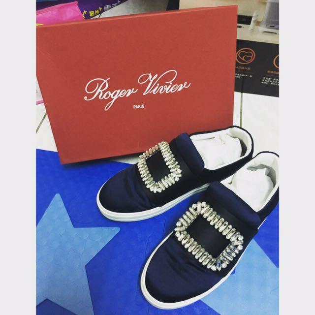 Roger vivier 藍配黑鞋 38號