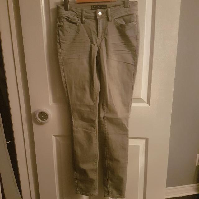 RW&CO Grey Skinny Jeans Size 25 Never Worn