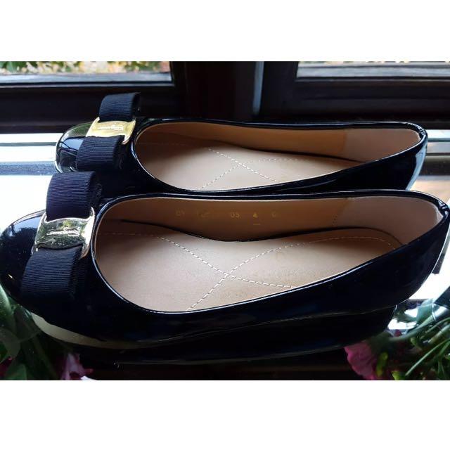 Salvatore Ferragamo Flats Size 4 C