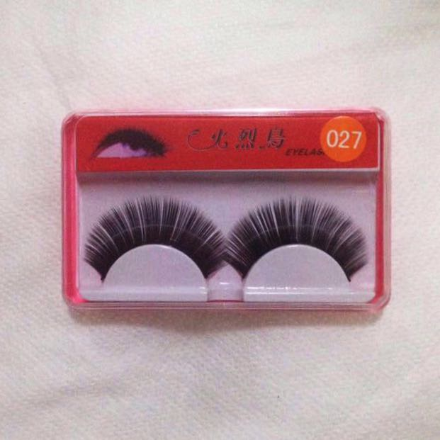 Thick False Eyelashes 1 pair with glue Made in Taiwan