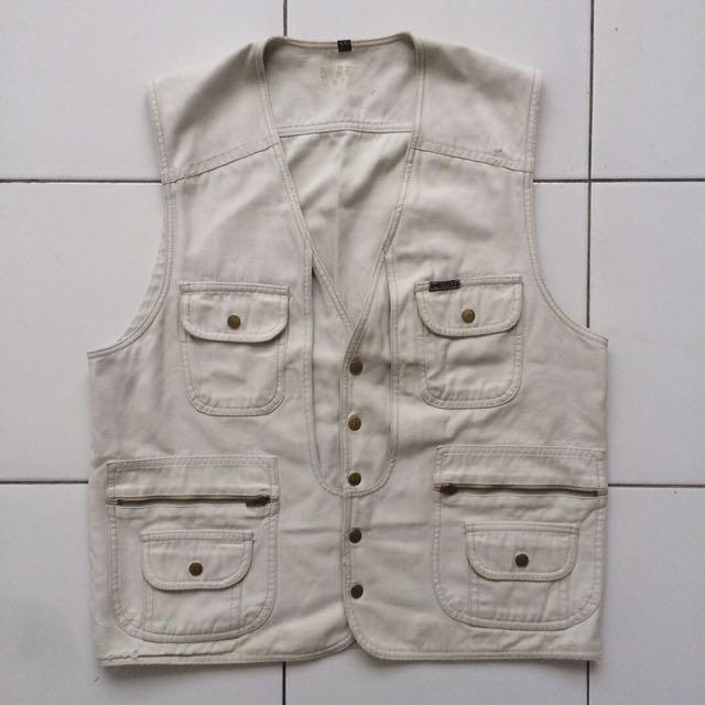 Vest Broken White