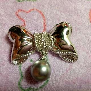 全新銀色蝴蝶結別針
