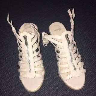 Novo Wedge Heels
