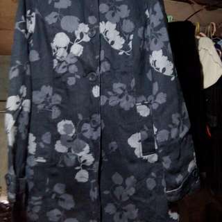 floral coat..pdala from usa..merona brand small in size
