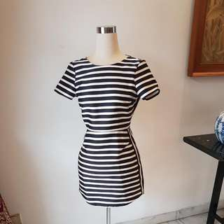 ORIGINAL TOPSHOP STRIPED DRESS SIZE SMALL