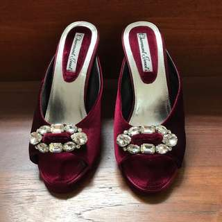 Suede Maroon Heels