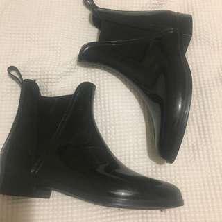 BLACK SEED GUMBOOTS