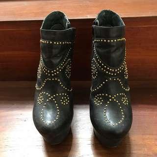 Zoe Wittner Boots