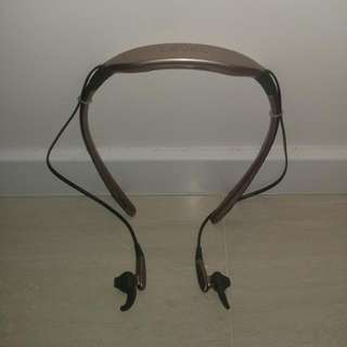 $45 Samsung (Level) Bluetooth Earpiece - used for 6 months by lady and just the earpiece itself without box.