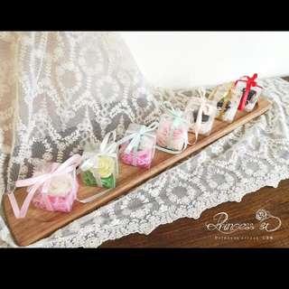婚禮小物,禮物 (巧克力/玫瑰花/草莓)