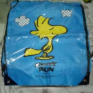 Snoopy Run 後背束口袋 加贈snoopy鼻子及外包裝