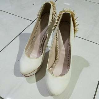 Charlotte Olympia Sz 38 White Pumps Shoes Wedges Heels